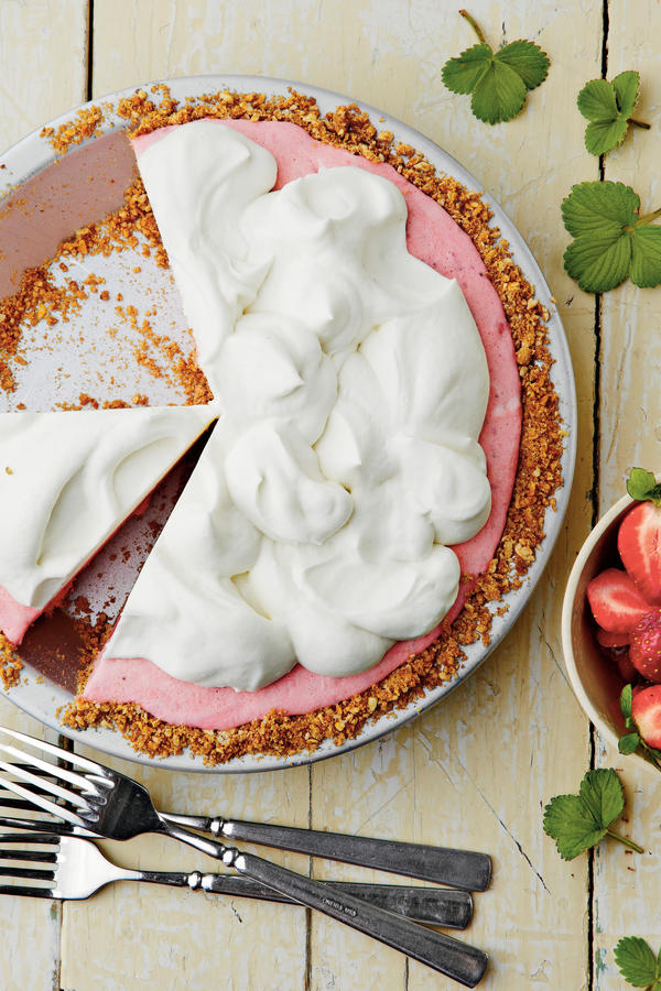Strawberry-Pretzel Icebox Pie