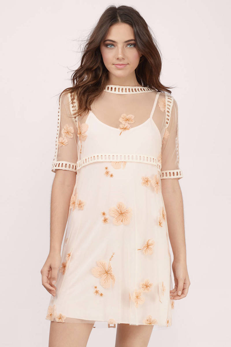 Tobi Charlotte Cream Embroidered Floral Shift Dress