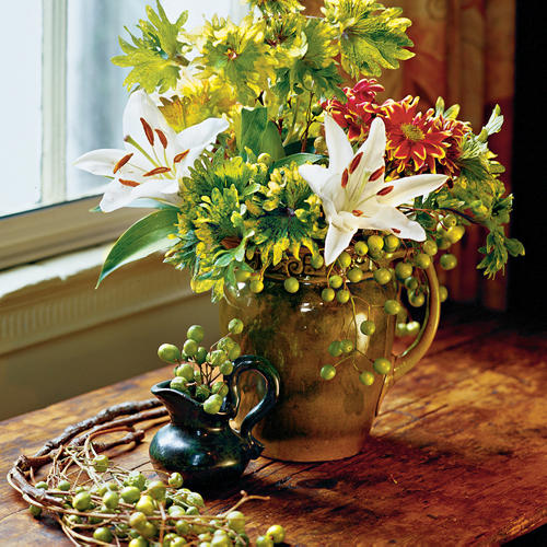 Harvest a Fall Arrangement for Thanksgiving Guests