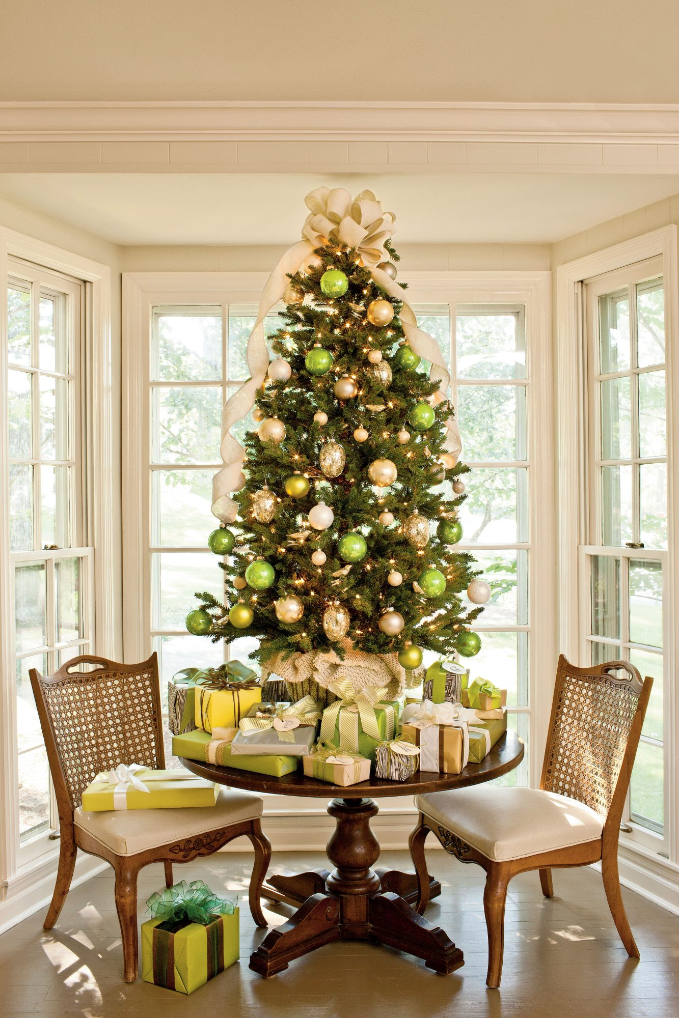 Green & Gold Tabletop Tree