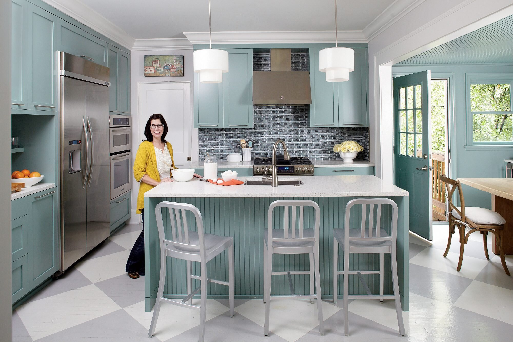 Bold His-and-Hers Cottage Kitchen
