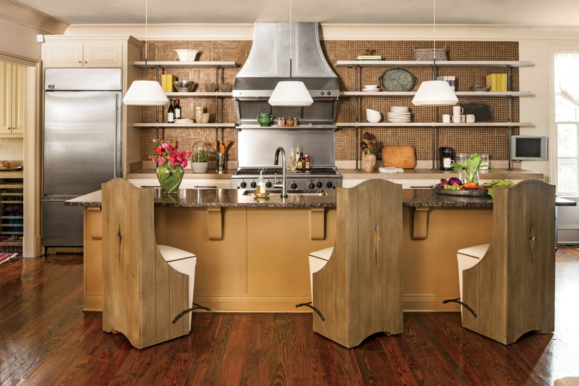 Neutral Rustic Kitchen Makeover