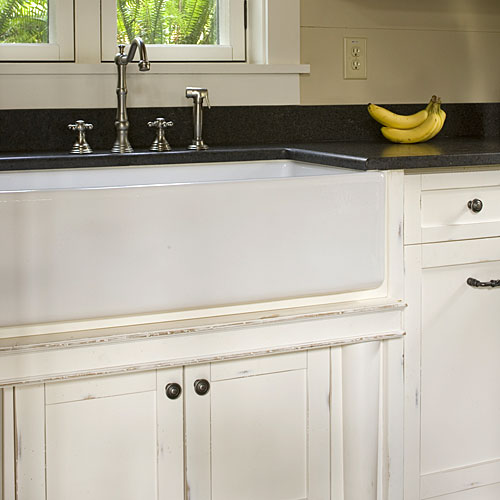 North Carolina Cottage Interiors: Farmstyle Kitchen Sinks