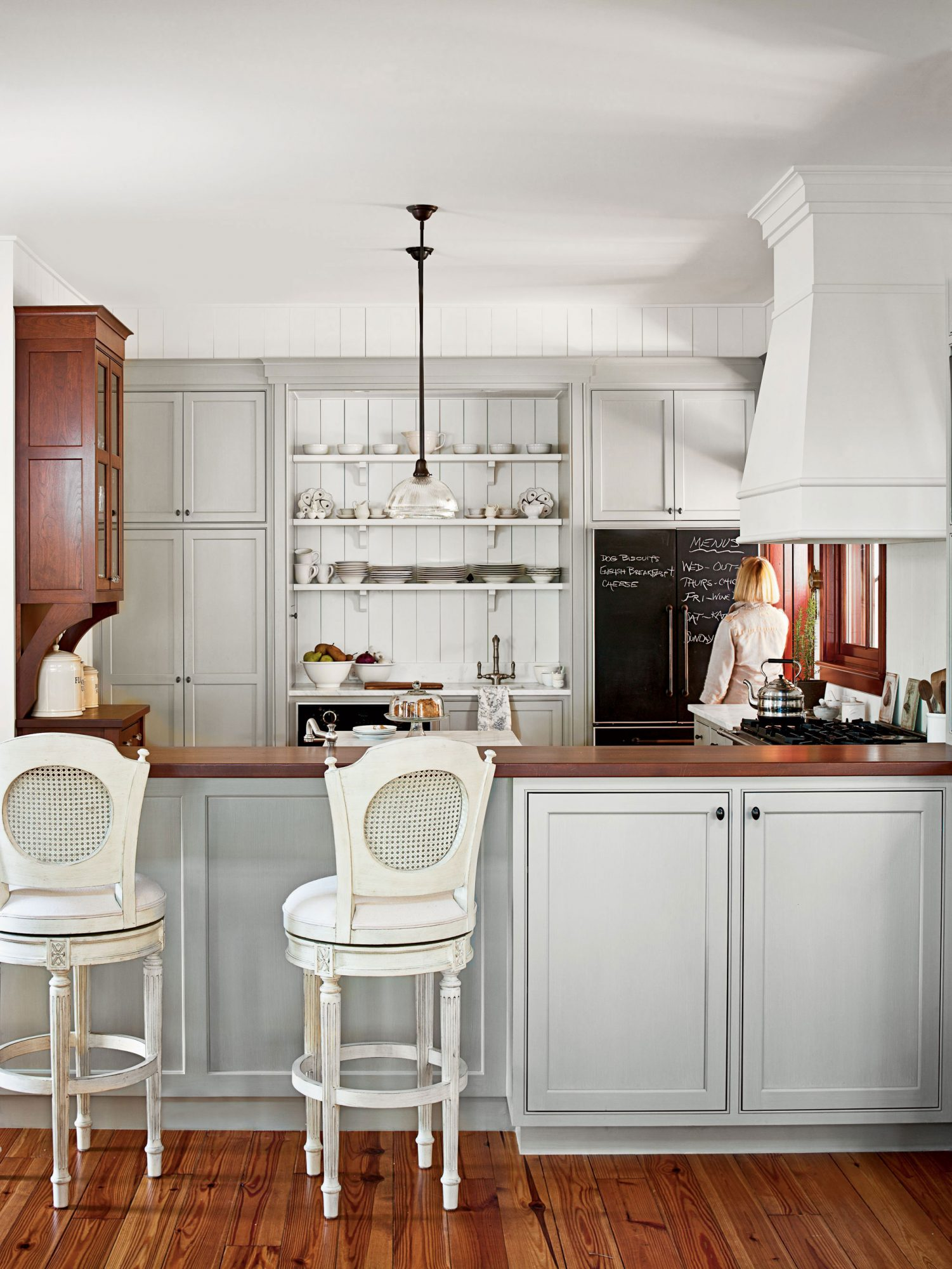 Clutter Free Home the kitchen