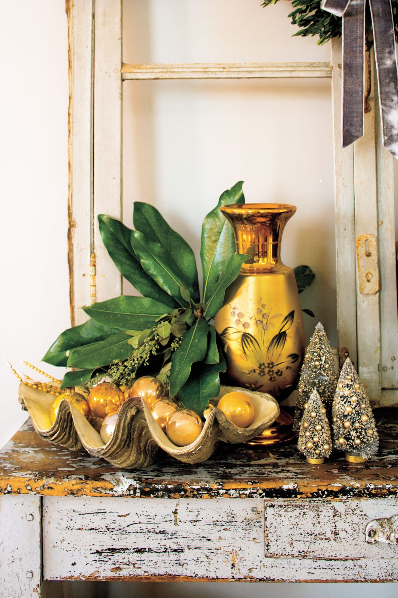 Vintage Christmas Decorations: Mix Metallics with Evergreens