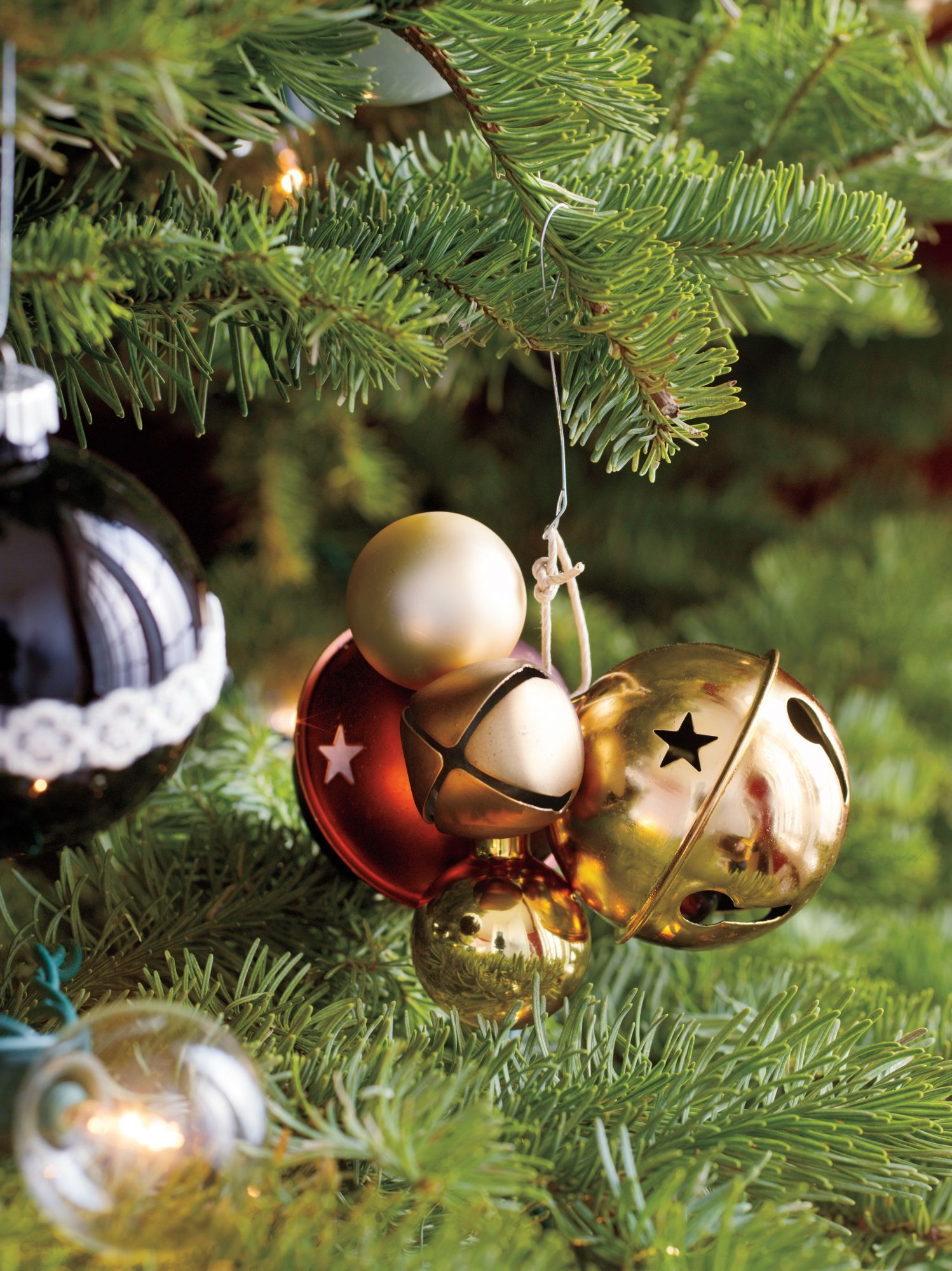 100 best ever christmas decorating ideas for 2020 southern living christmas decorating ideas