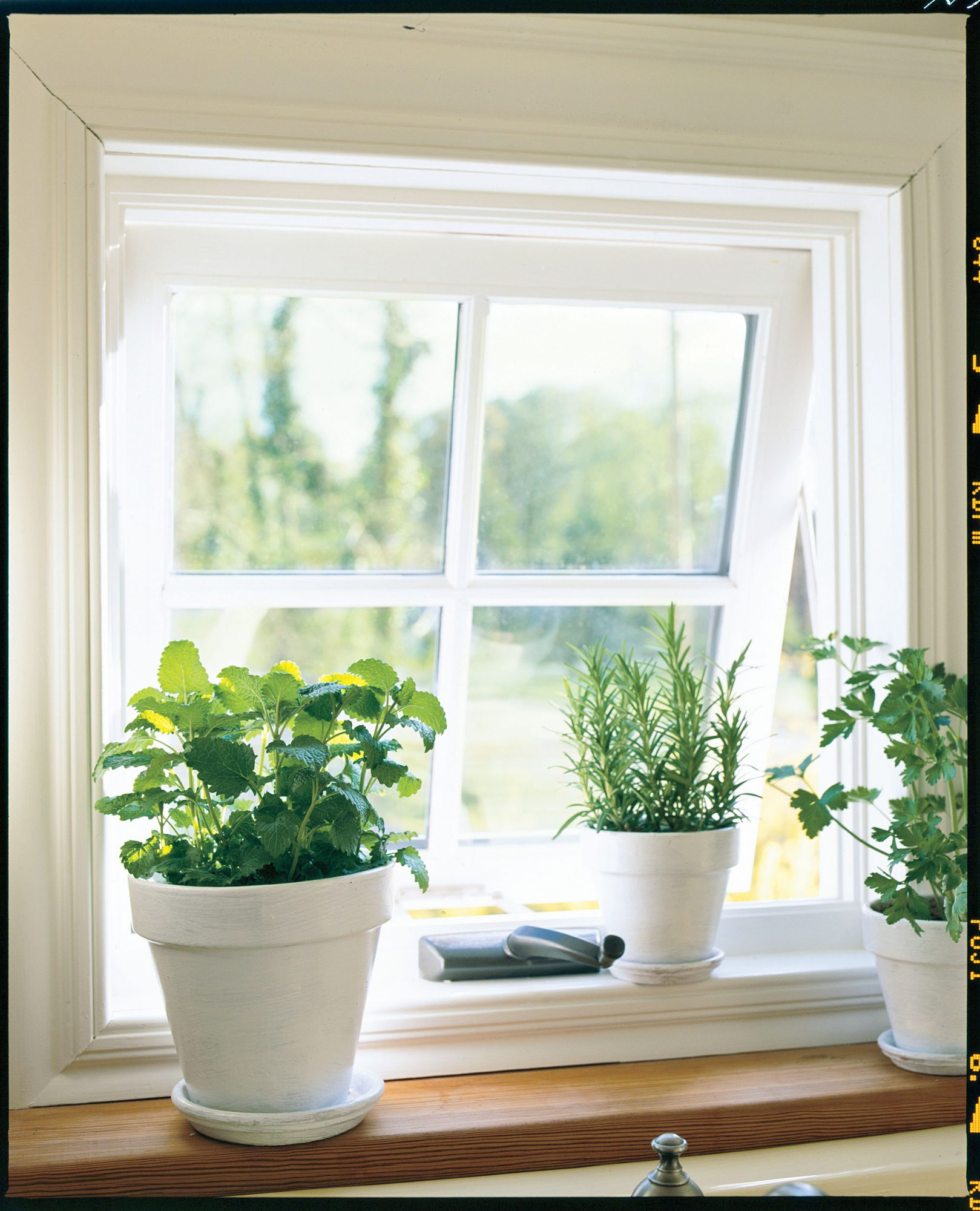 Farm Kitchen Remodeling Ideas: Awning Windows