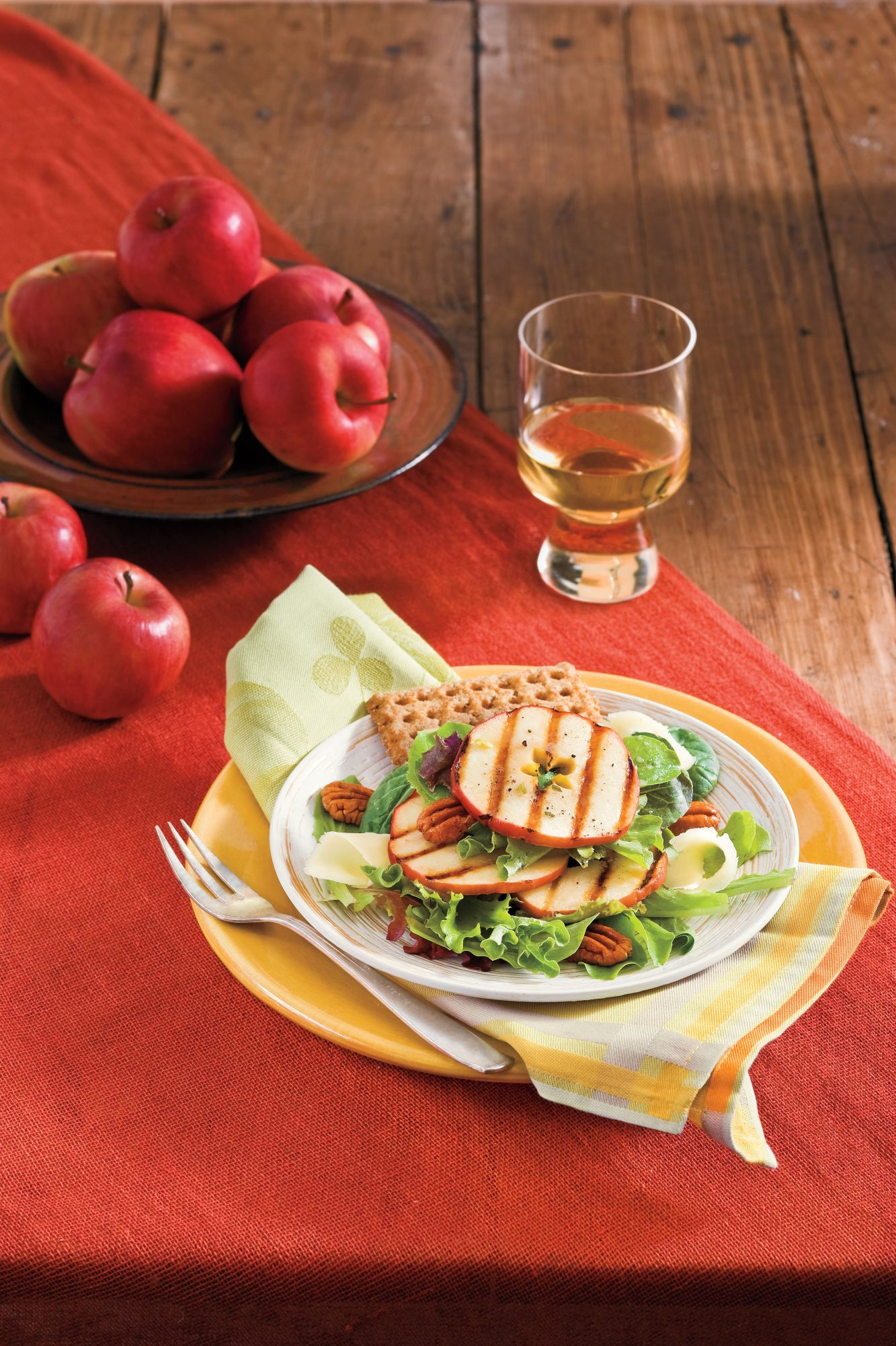 Vegetarian Grilling Recipes: Grilled Apple Salad