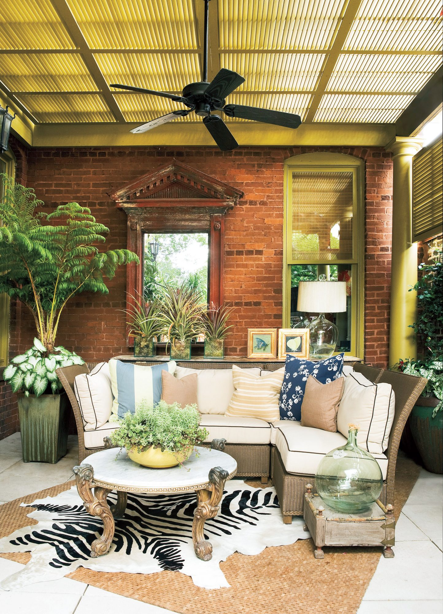 Porch Decorating Ideas: Columns
