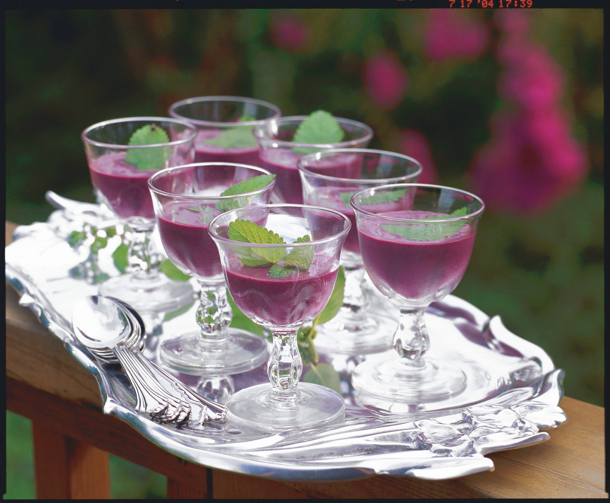 Fresh Blueberry Recipes: Chilled Blueberry Soup
