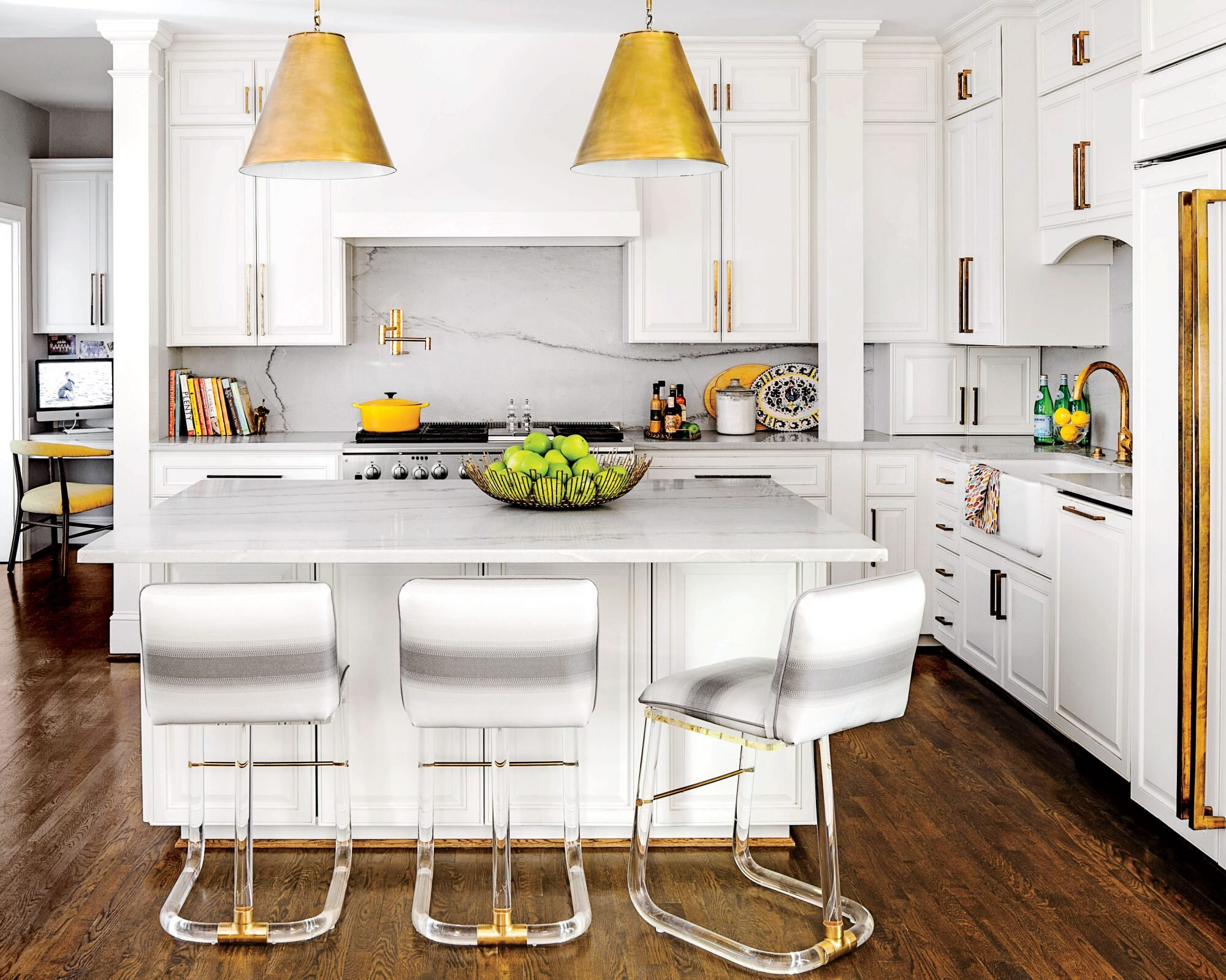 10 Classic Backsplash Options That Aren T White Subway Tile Southern Living
