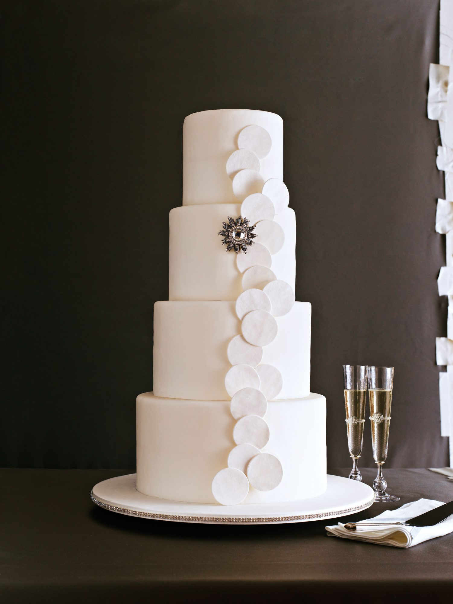 Sleek and Chic Wedding Cake