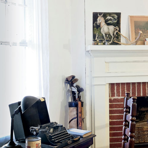 A mule portrait sits above William Faulkner's desk.