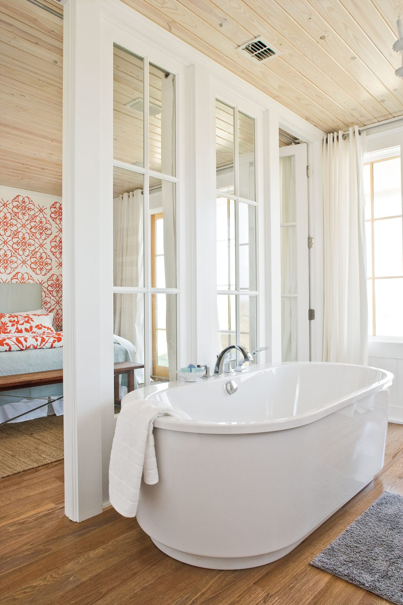 7 Beach-Inspired Bathroom Decorating Ideas | Southern Living