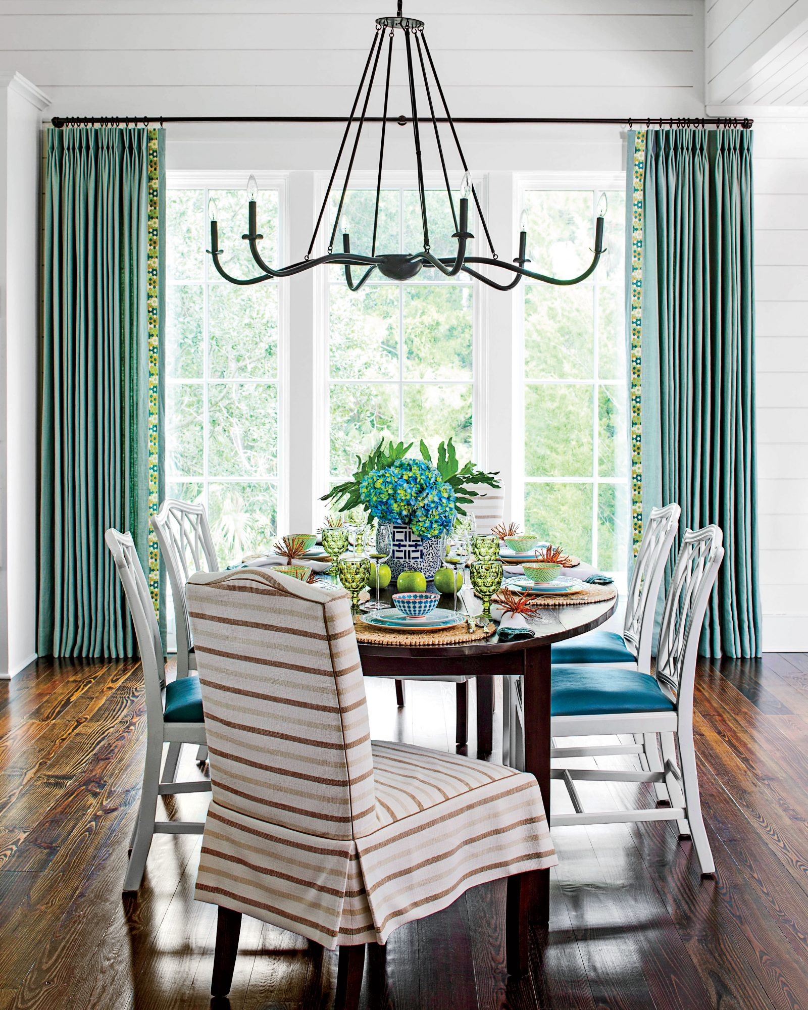 Casual Dining Rooms Decorating Ideas For A Soothing Interior: Stylish Dining Room Decorating Ideas