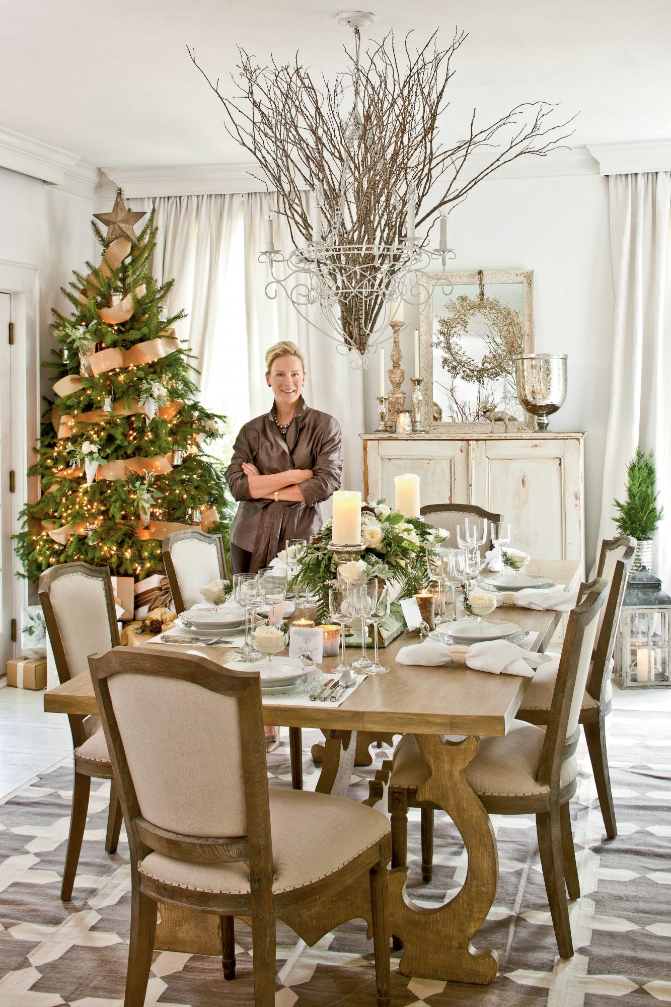christmas decor for dining room table
