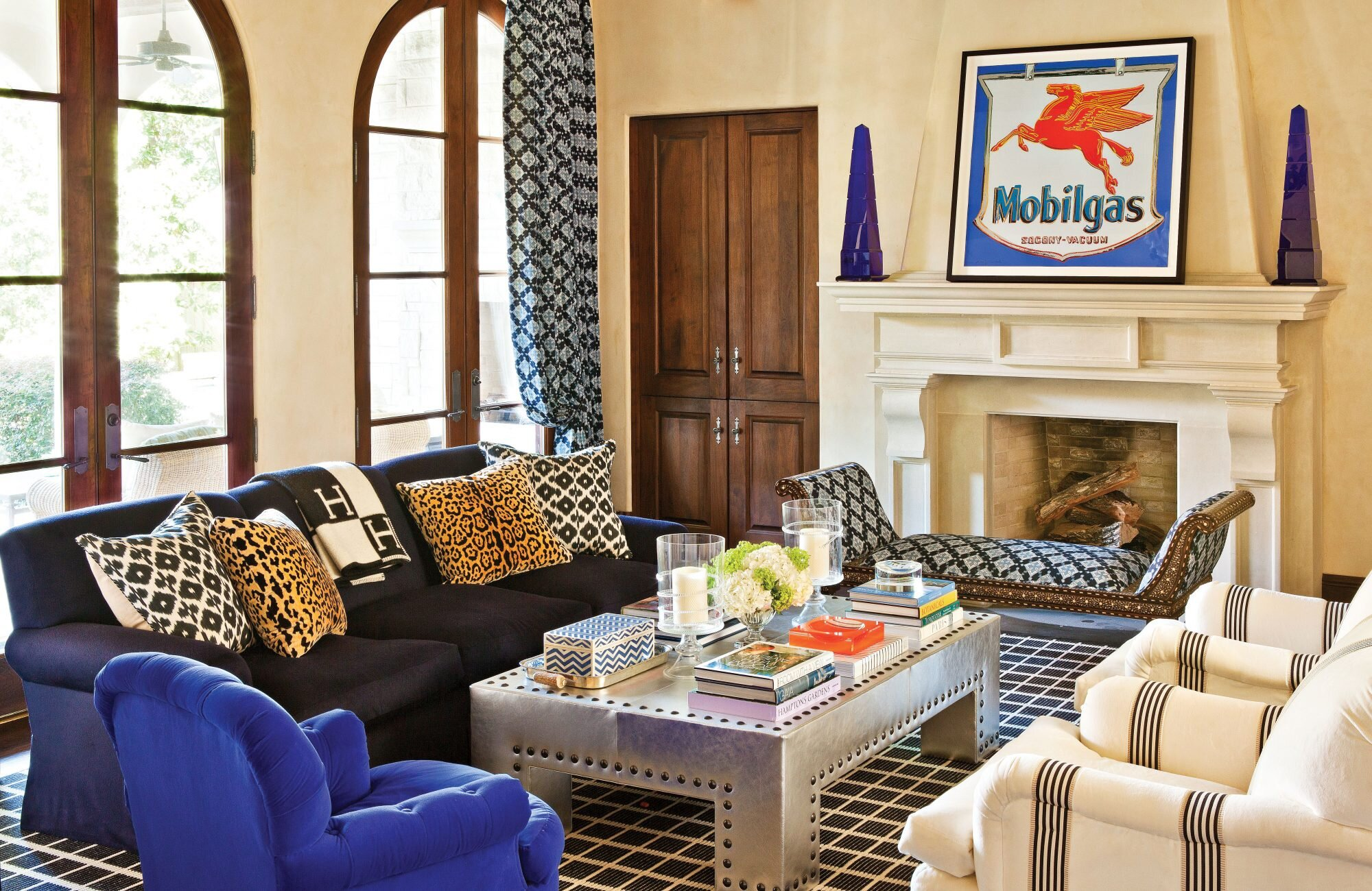 Decorating a High Definition Dallas Home