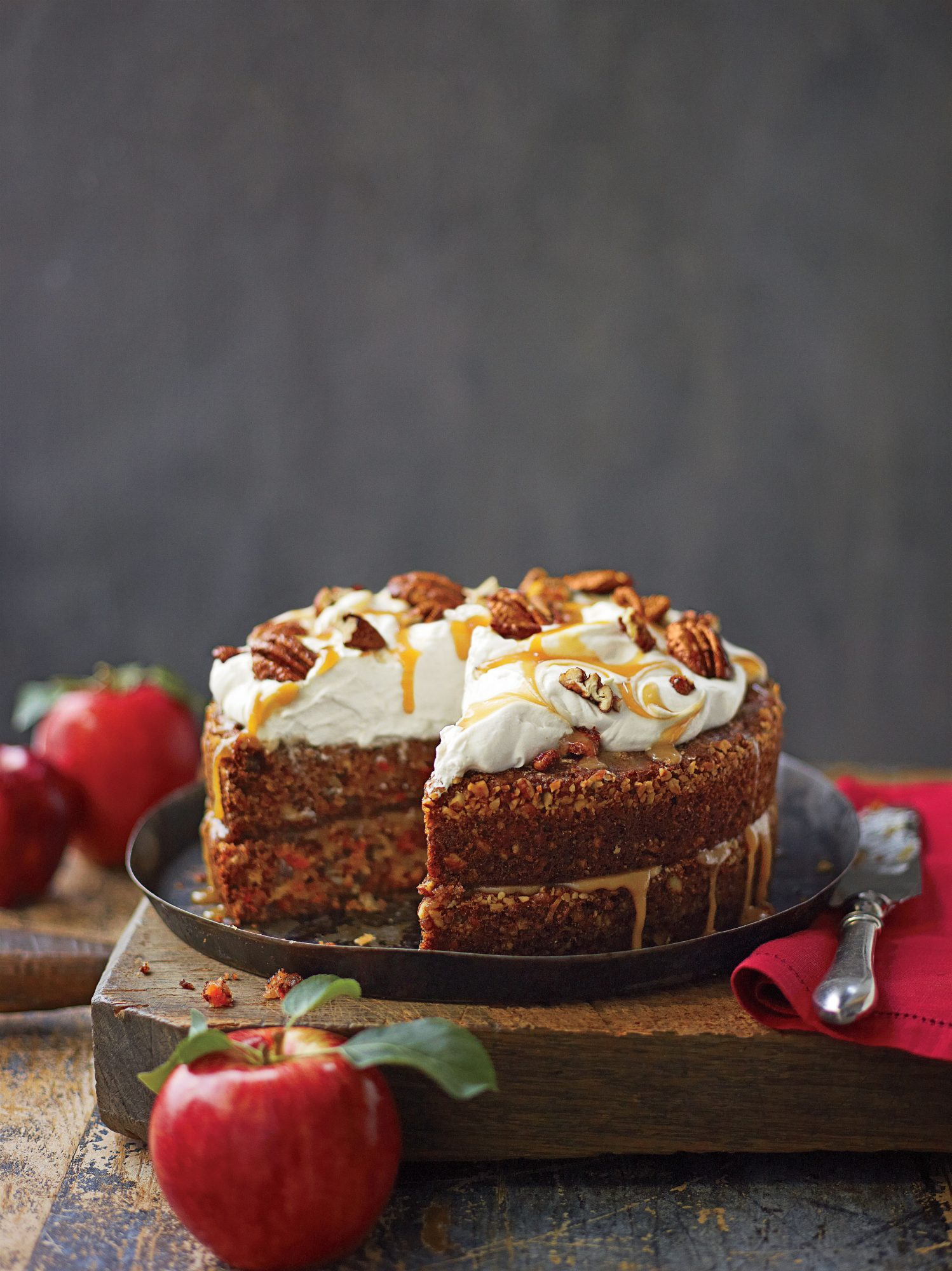 Apple-Pecan Carrot Cake