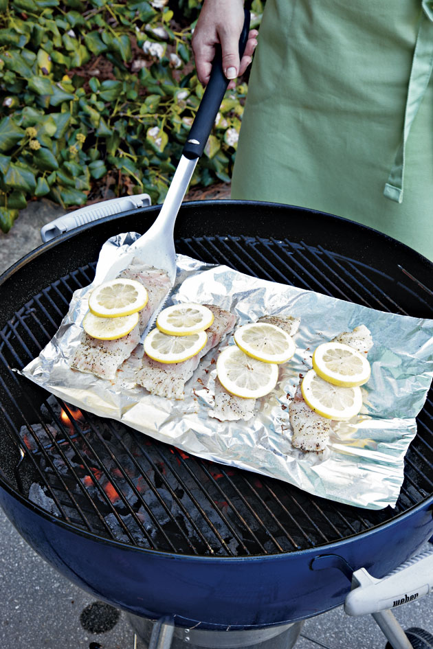 Step 2: Arrange Fish on Grill