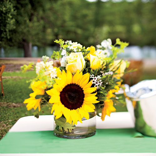 Bright Sunflower Centerpiece