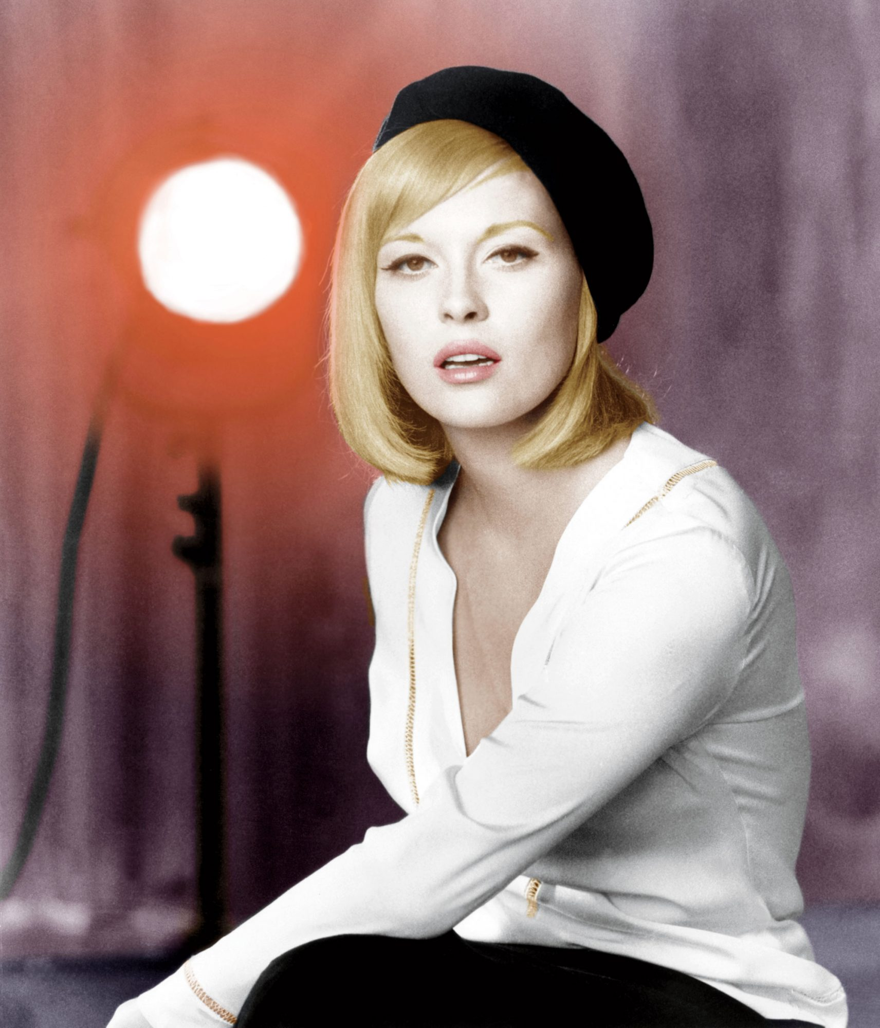 Go Sleek & Sultry with Inspiration from Faye Dunaway | Southern Living