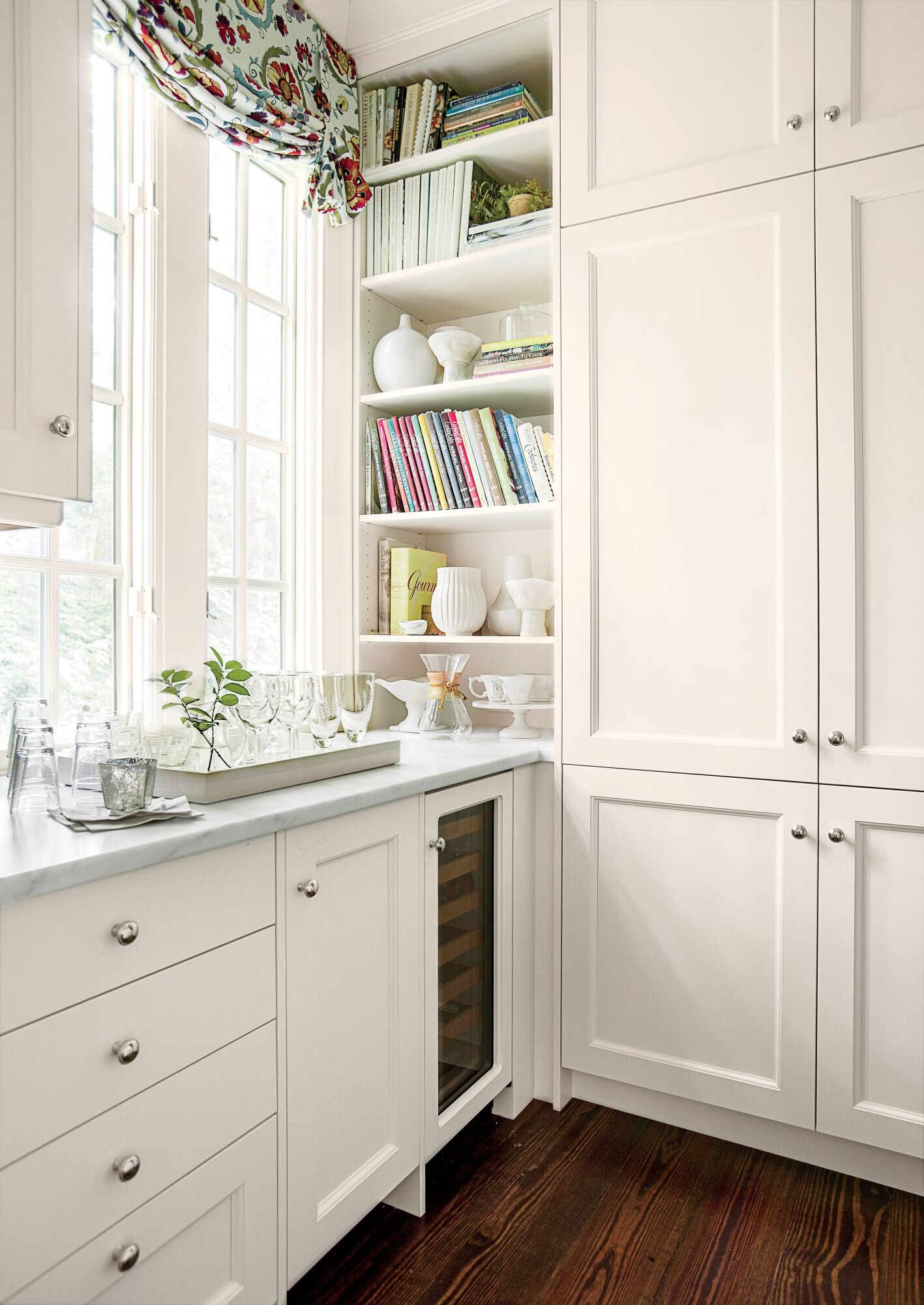 Crisp Classic White Kitchen Cabinets Southern Living