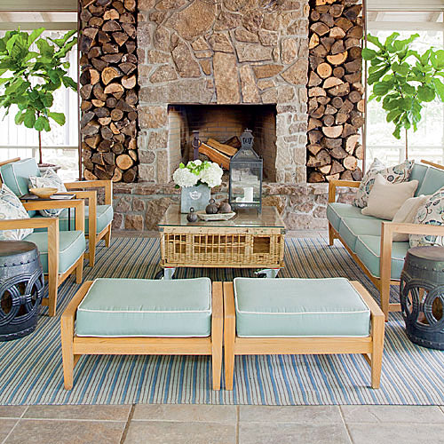 Bring Warmth to the Pool House
