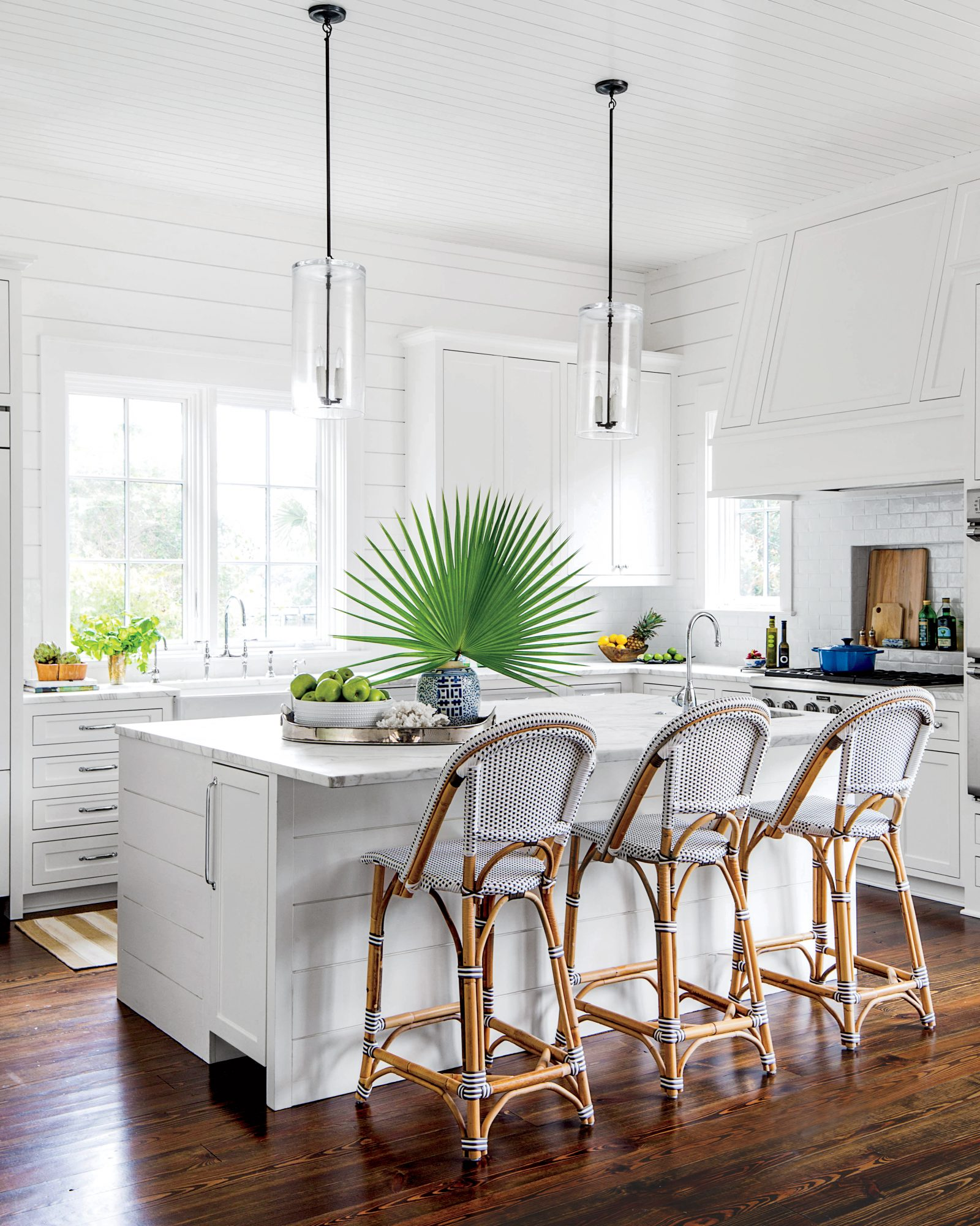 Beachy White Shiplap Kitchen