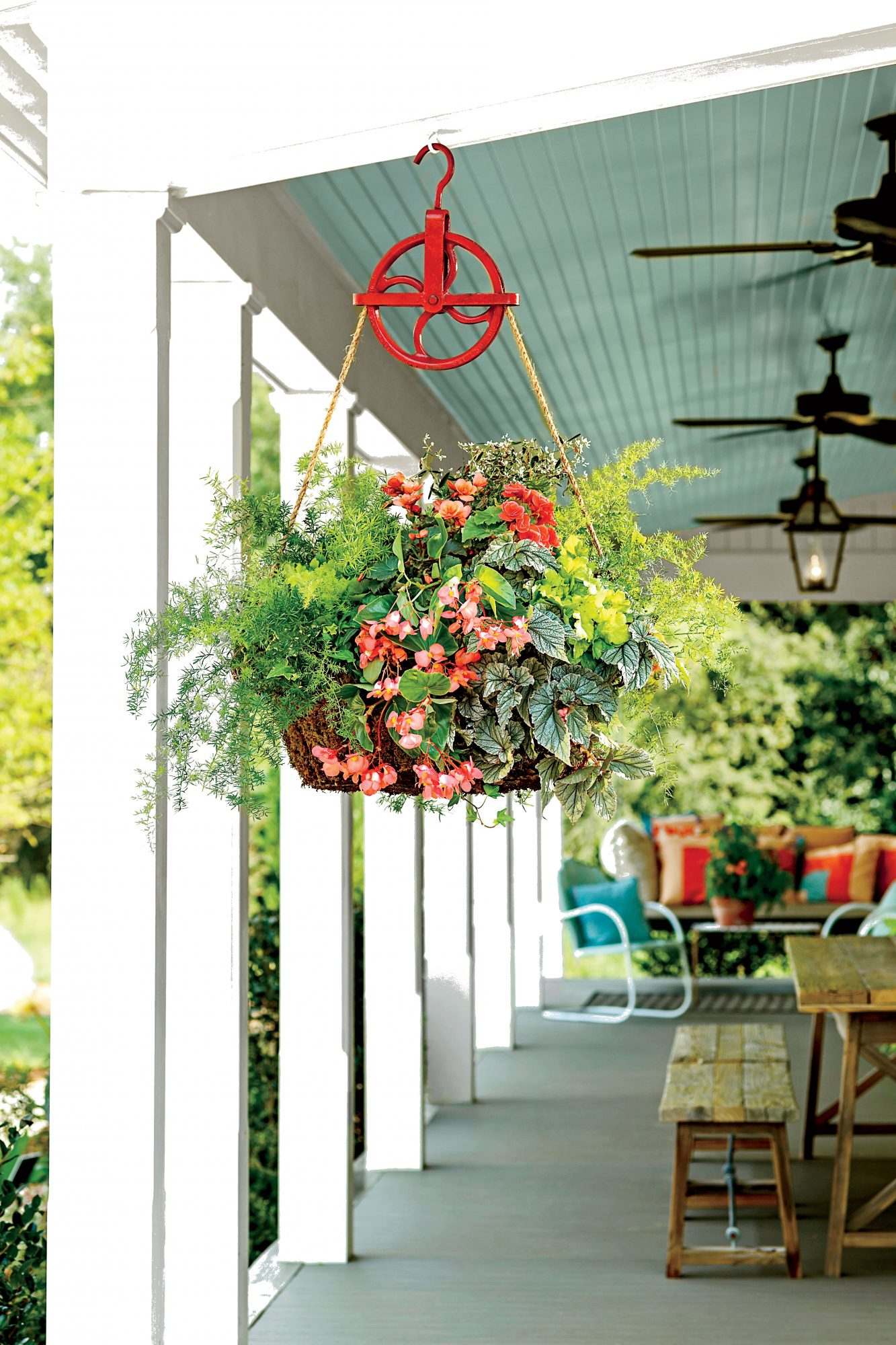 Hanging Container with Pulley