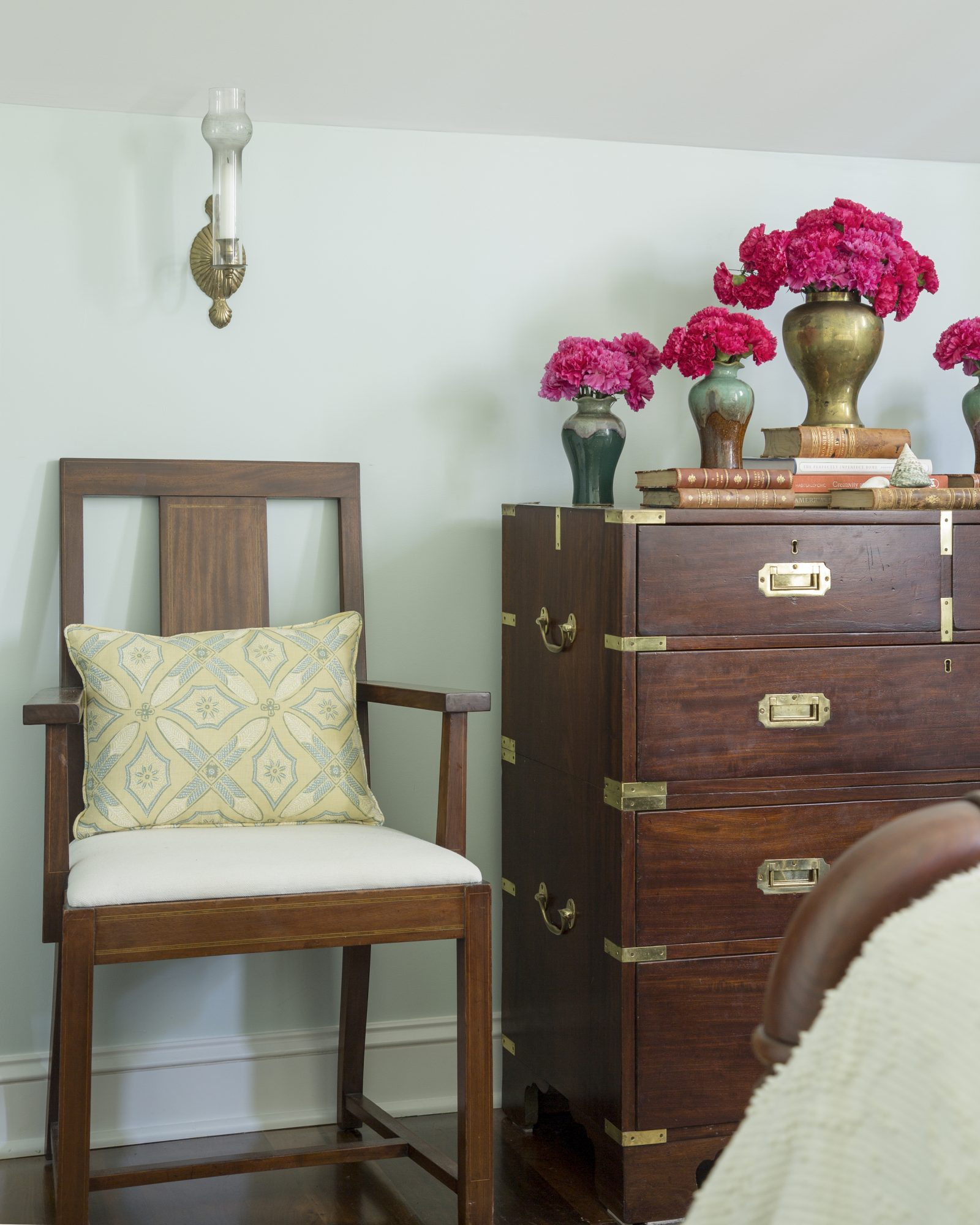 Decorative Accents in the Queen Guestroom