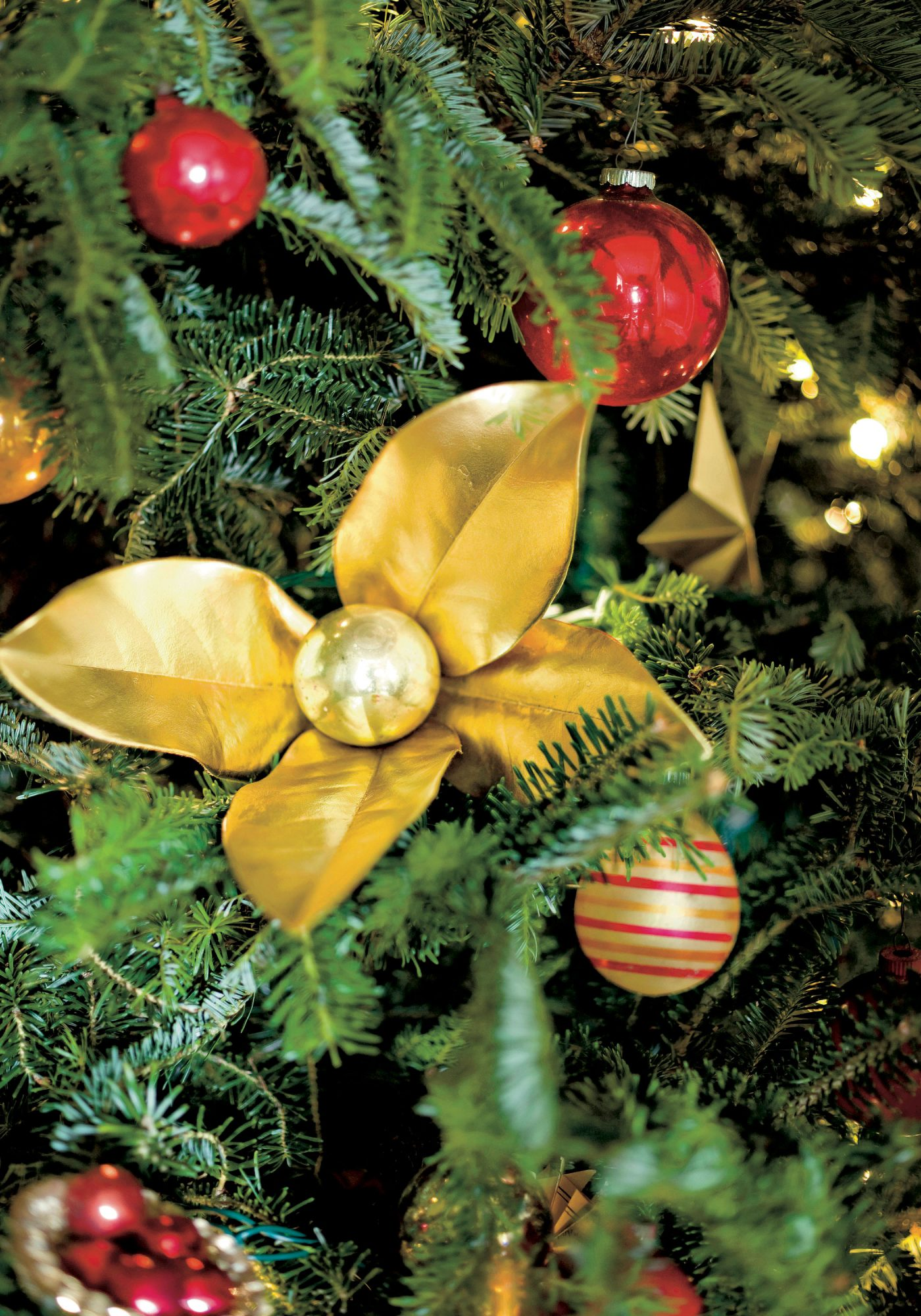 Gold Magnolia Leaves Ornaments