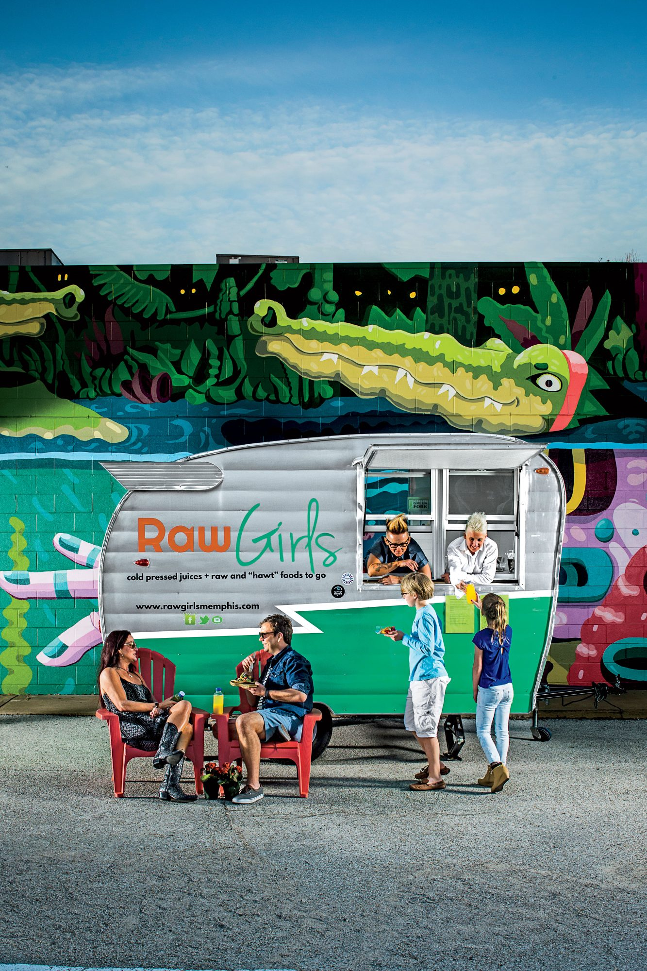 Raw Girls Food Truck