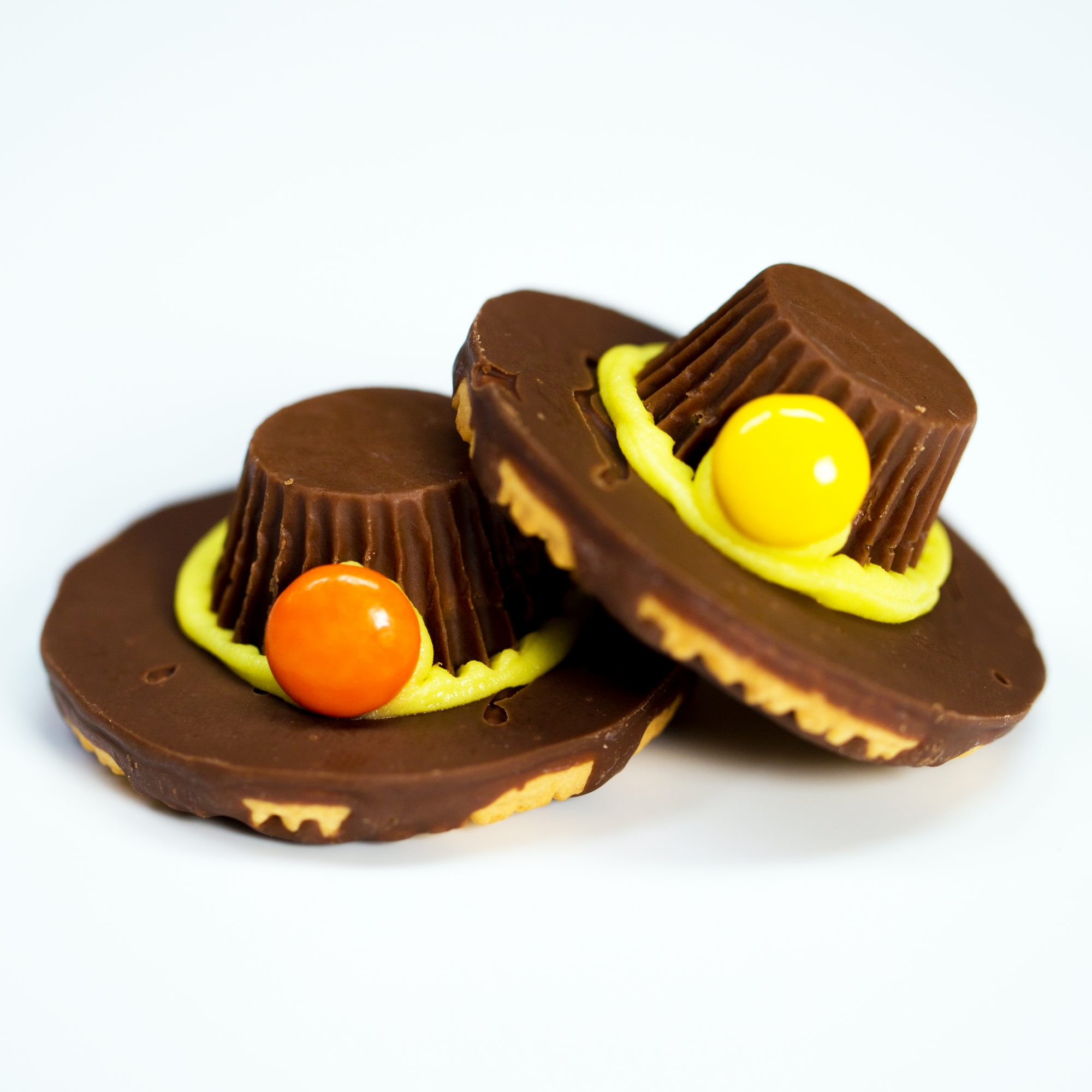 Chocolate Pilgrim Hats for Thanksgiving