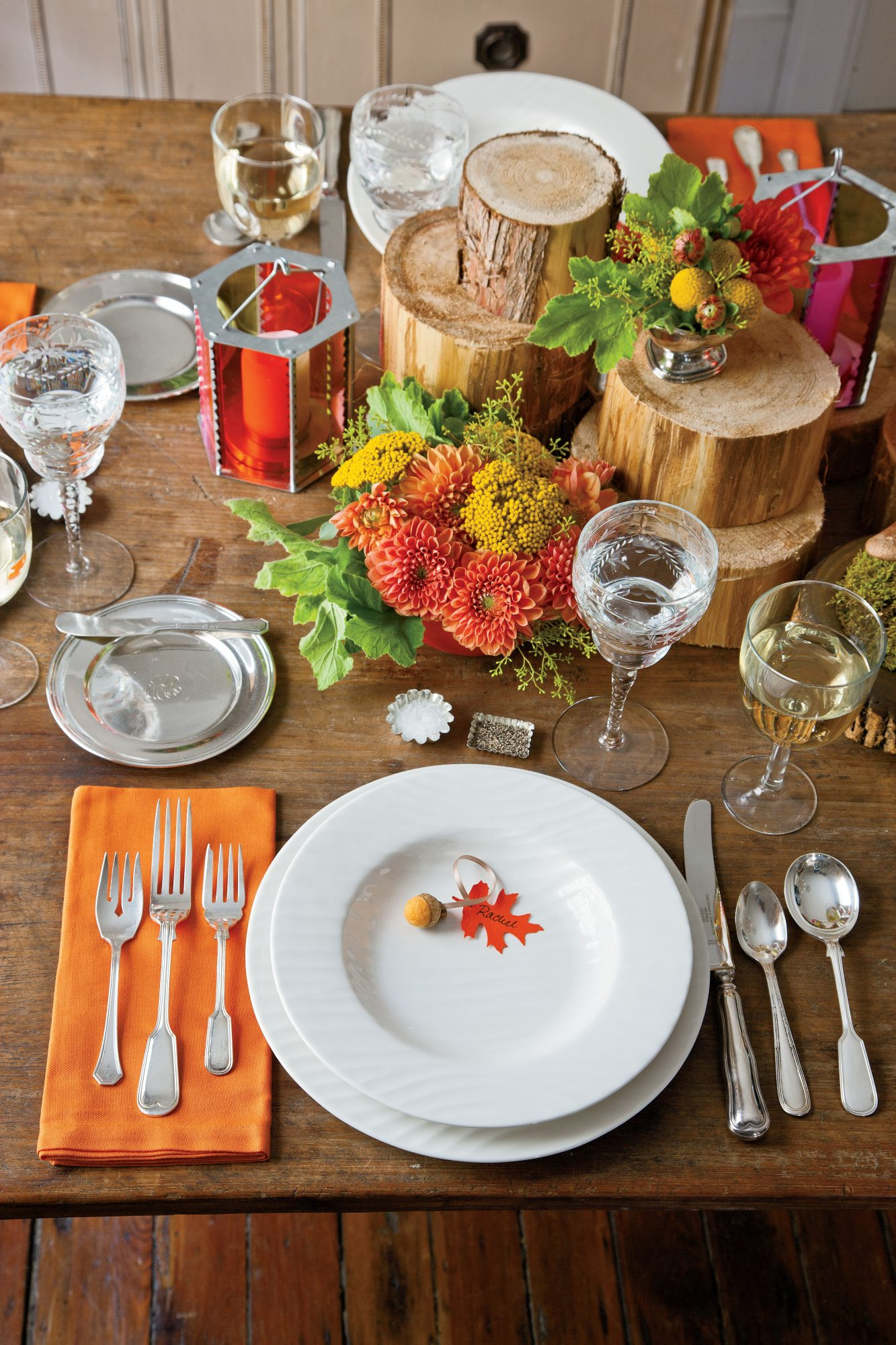 Acorn and Fall Leaves Thanksgiving Table Setting