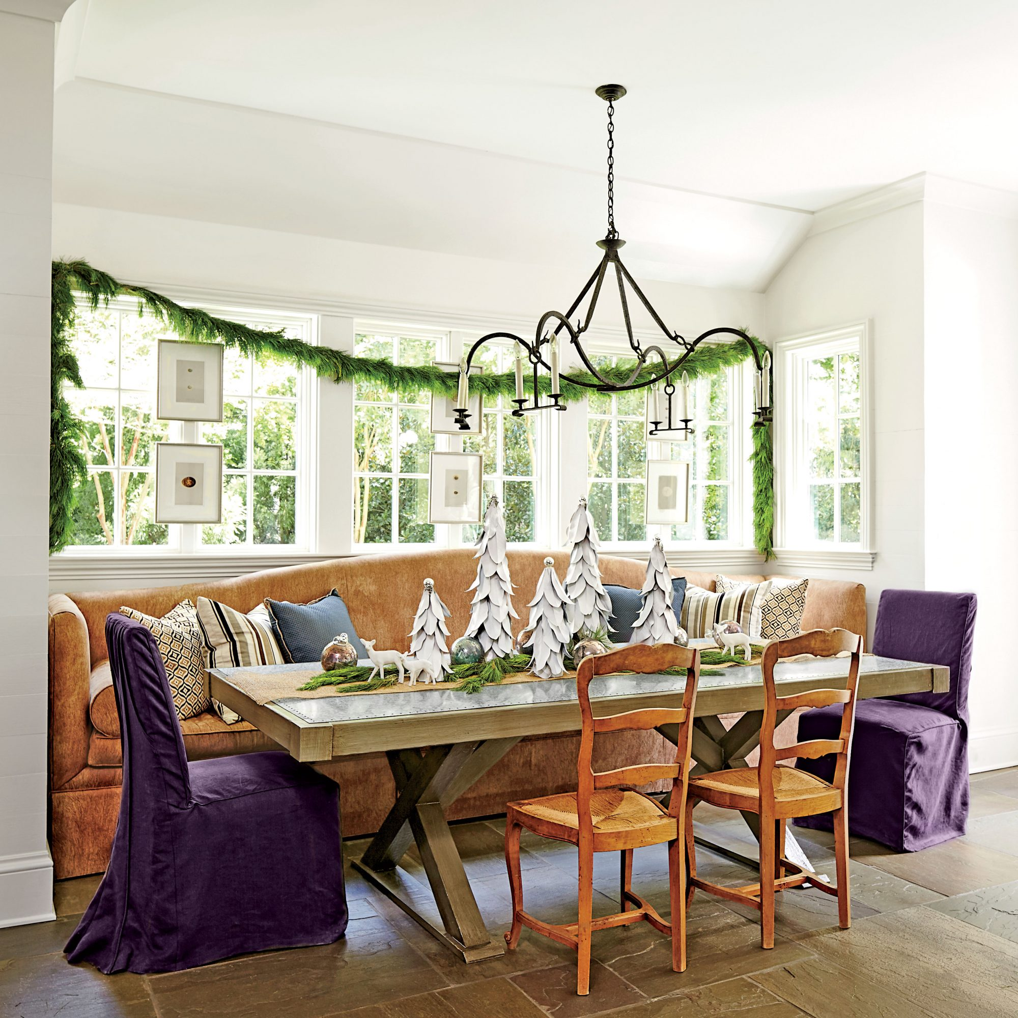 Christmas Kitchens Practical banquette