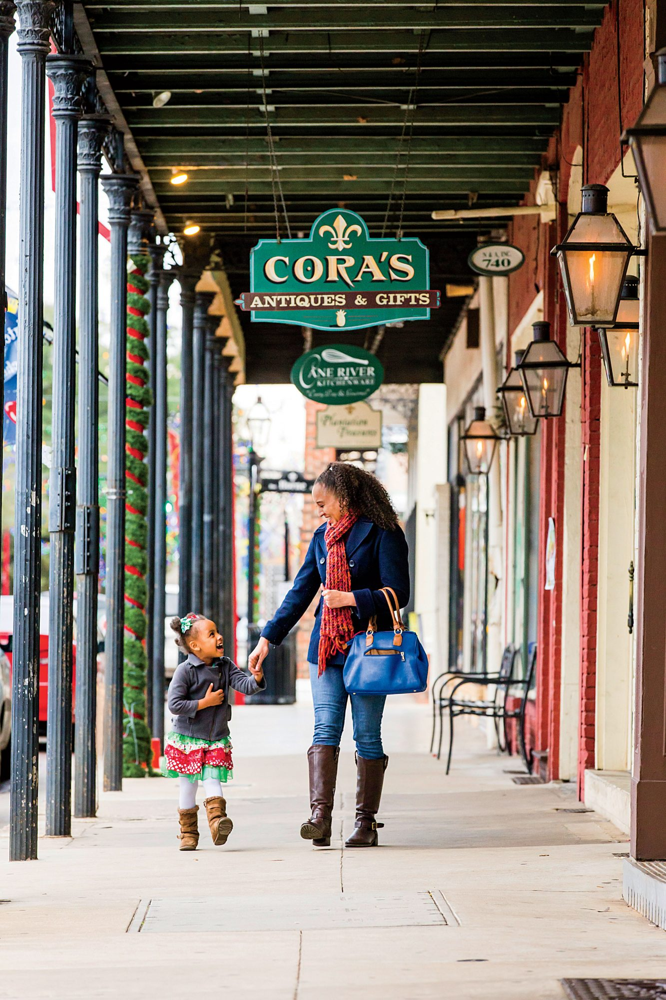 Shopping in Natchitoches at Christmas