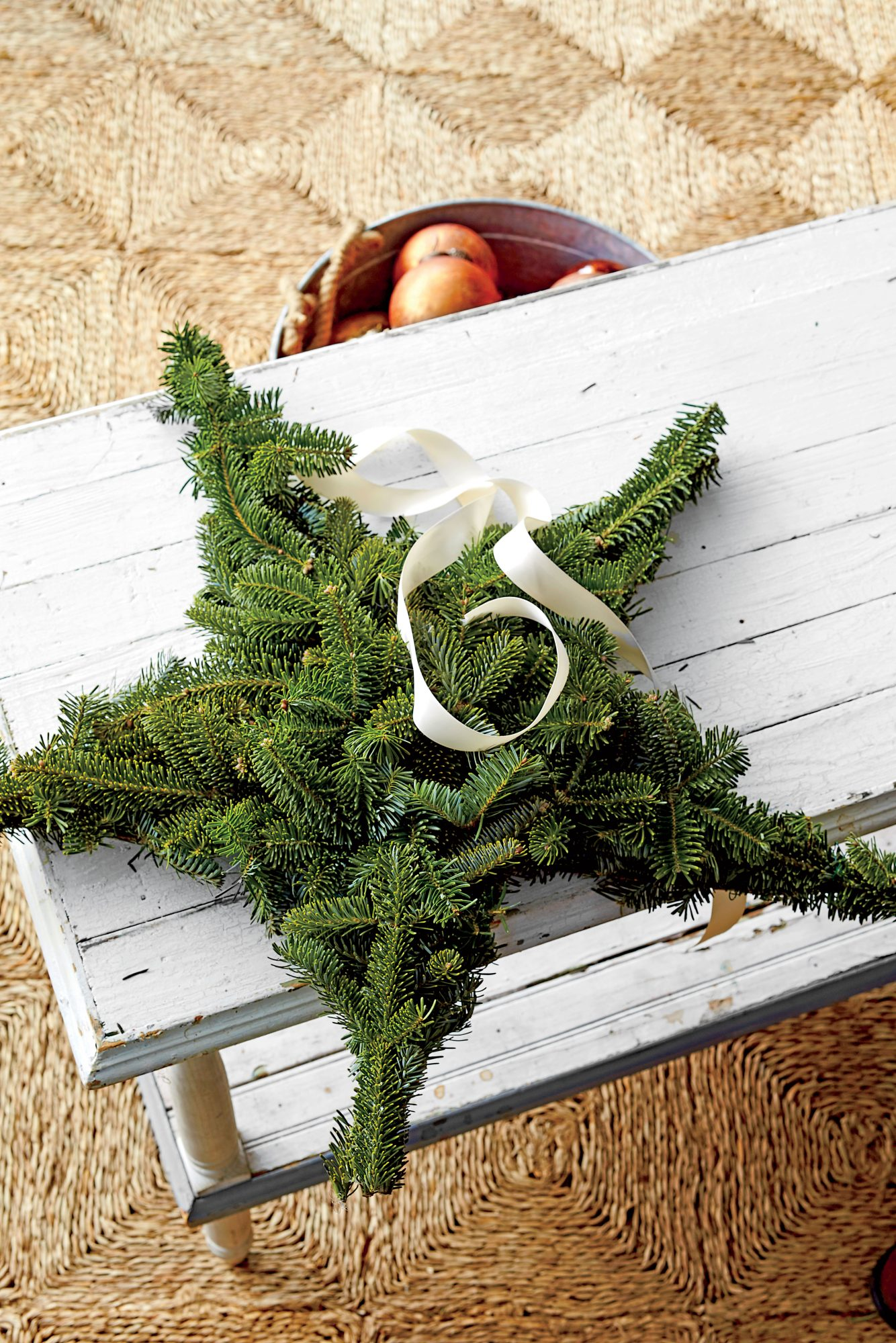 Hang a Star Wreath