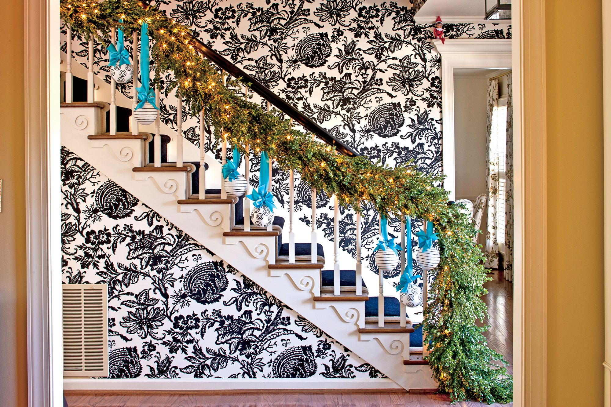 Black and White Wallpaper with Sparkling Greenery on Staircase