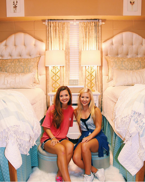 Lindy Goodson and Abby Bozeman Ole Miss Freshman Dorm Room