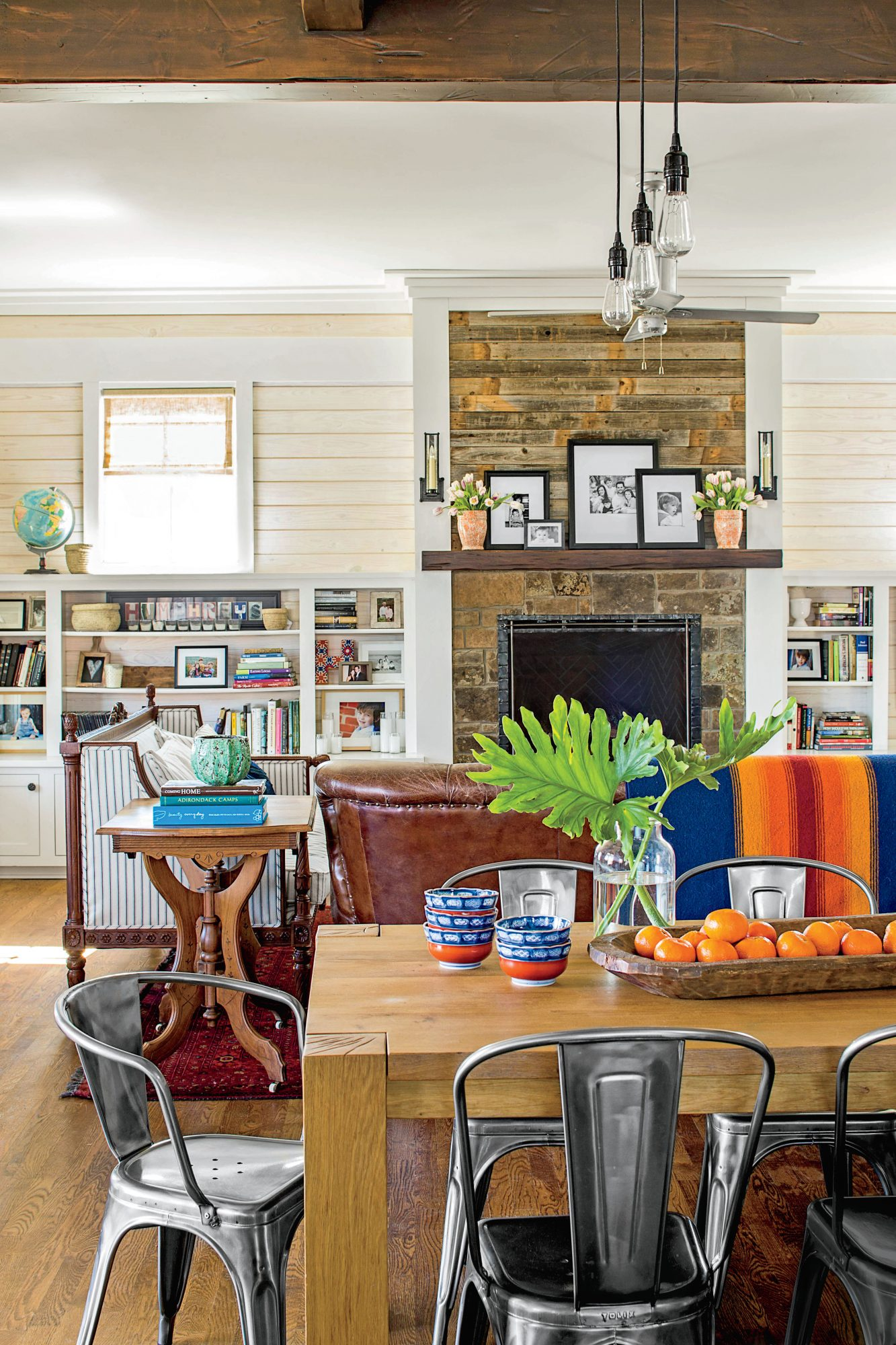 Multifunctional Living and Dining Room