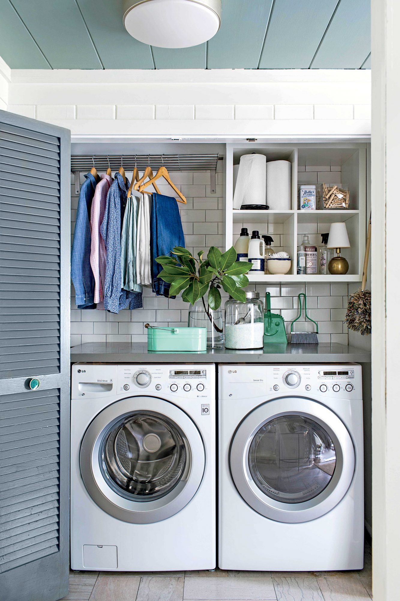 Clutter Free Home the laundry
