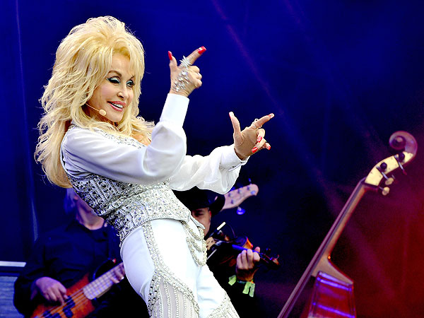 Dolly Parton's 71st Birthday: 10 Reasons Why She Rules