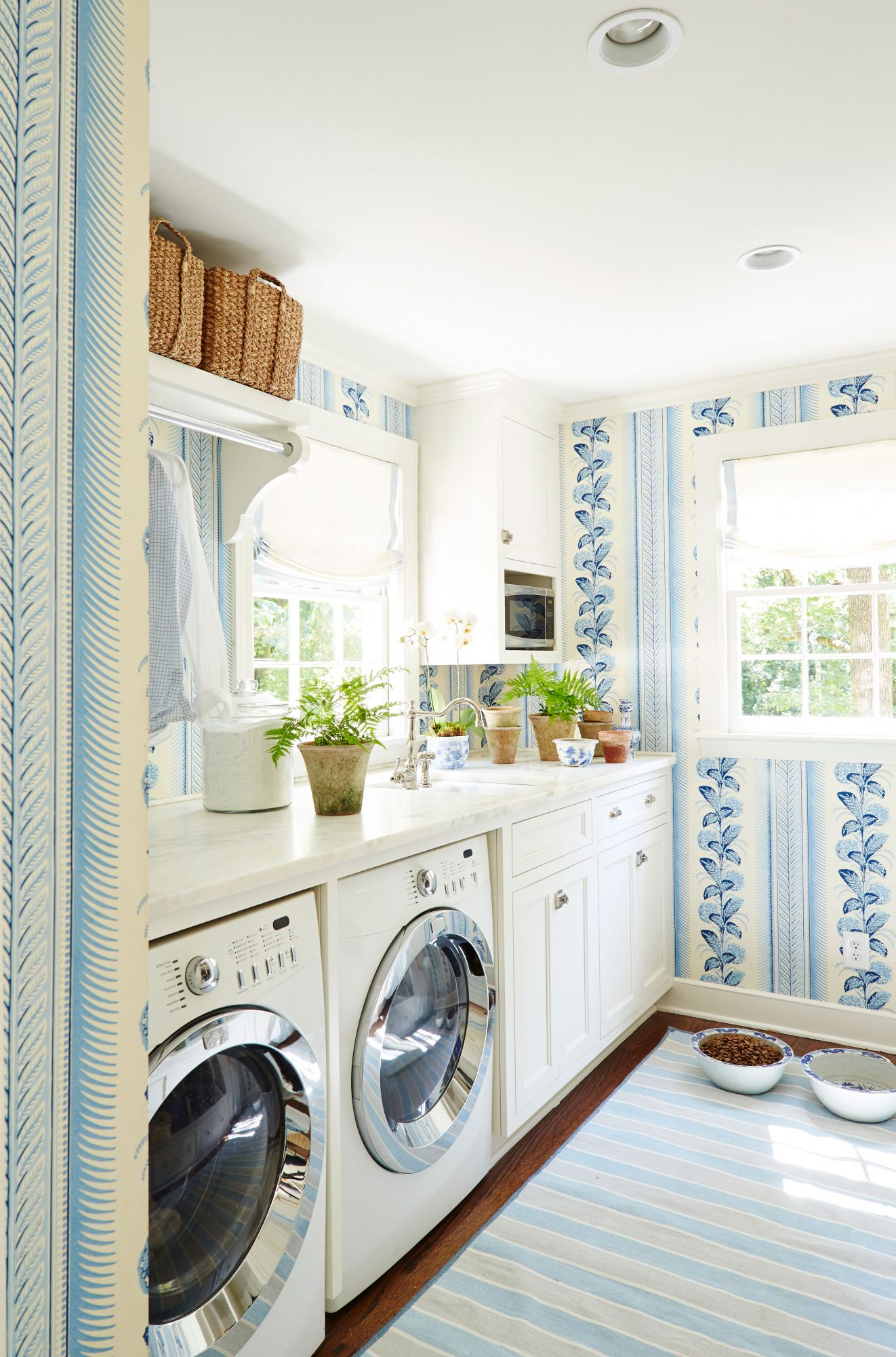Hydrangea Wallpapered Laundry Room