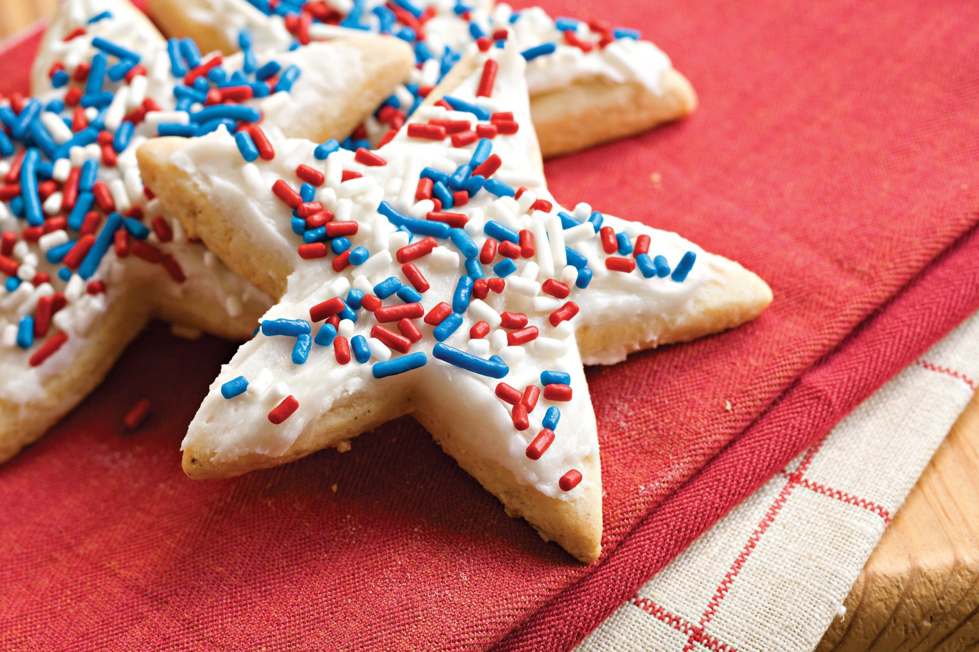 Frosted Sugar-n'-Spice Cookies