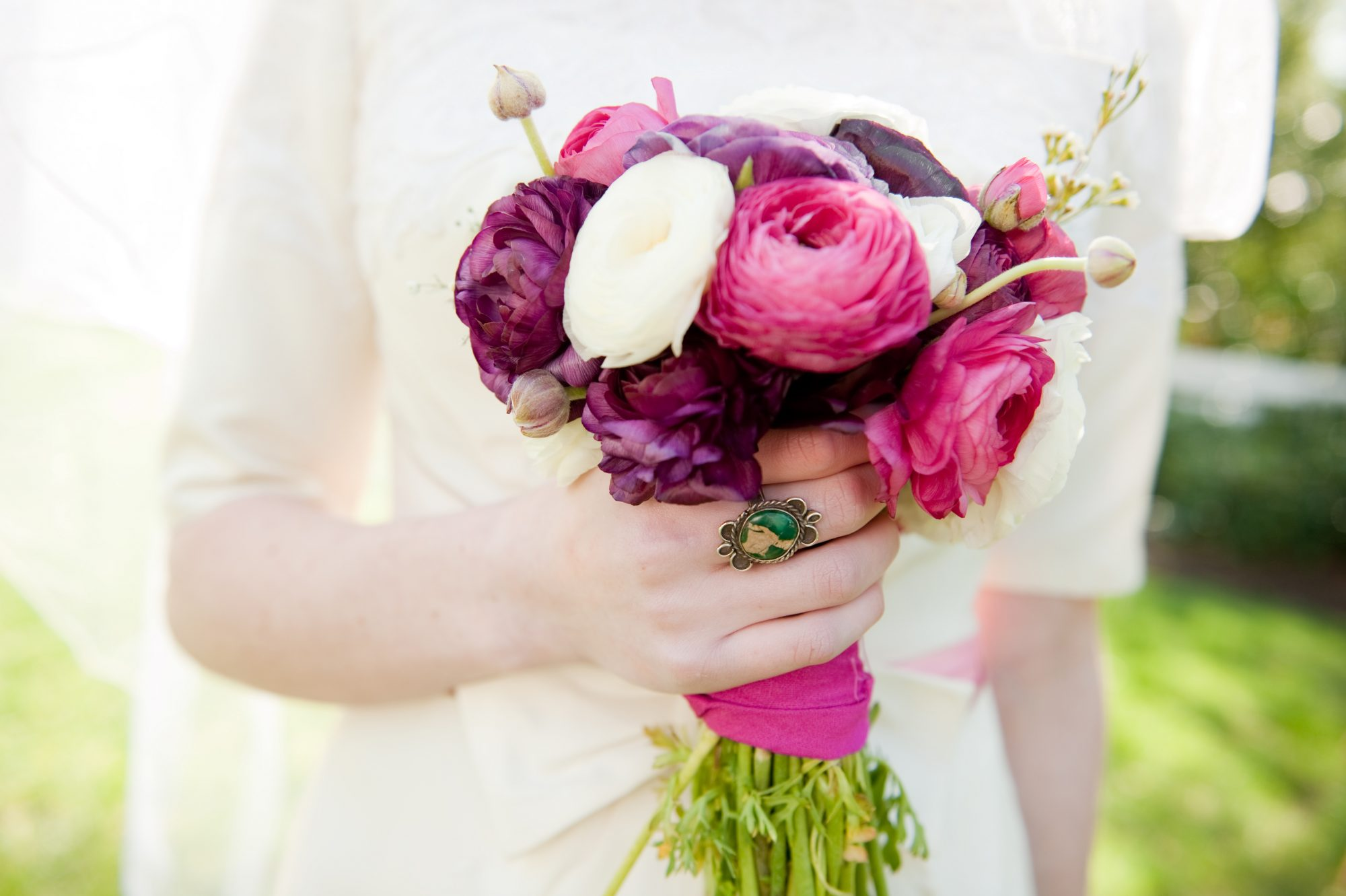 13 Romantic Ranunculus Wedding Bouquets Southern Living