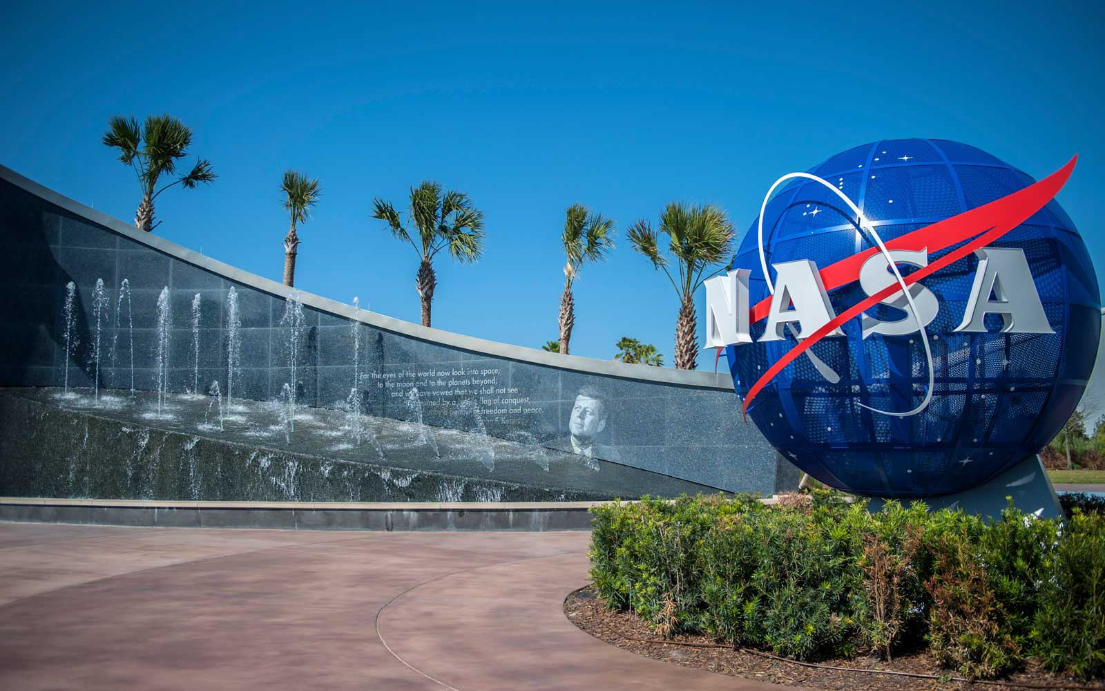 kennedy-space-center-HFGUIDE0217.jpg