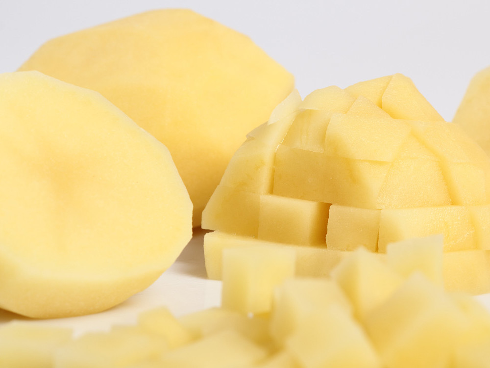 Here's the Right Way to Cut Potatoes for Every Breakfast Dish message-editor%2F1486937657617-potato-slices-inline