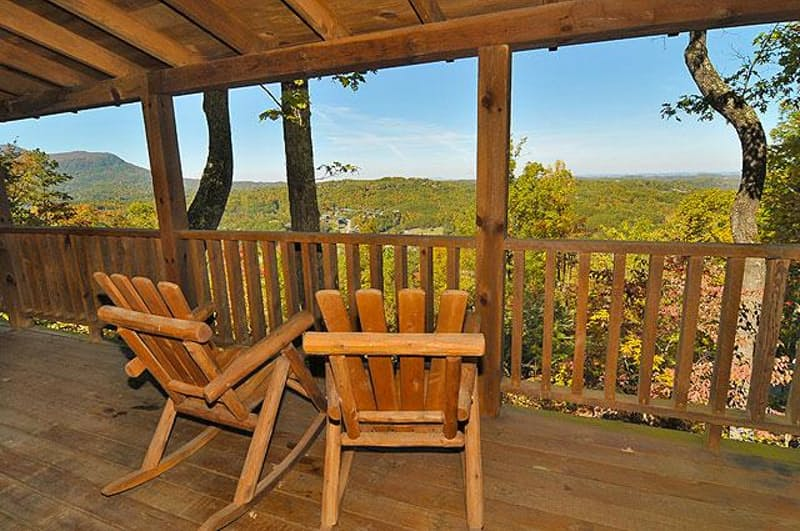 Great Smoky Mountains Cabin Rental: She Thinks My Tractor's Sexy