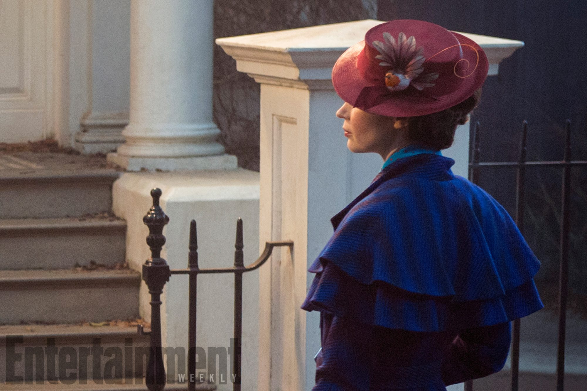 'Mary Poppins Returns' first look: See Emily Blunt in costume!