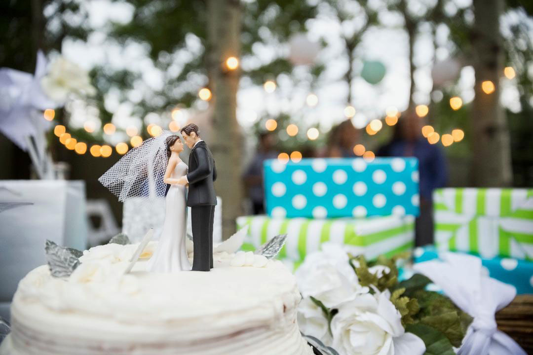 Finding the Right Wedding Gift Video Image
